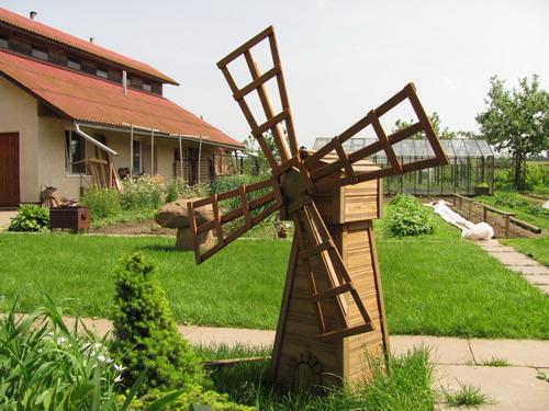 Декоративная мельница в саду - Садовая мельница - 54 идеи