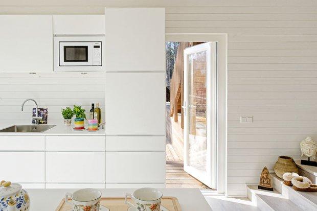 Интерьер дизайна в белом цвете как влияние скандинавских традиций