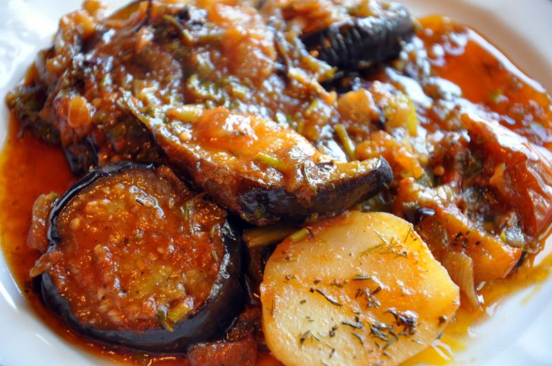 блюдо аджапсандал с мясом рецепт