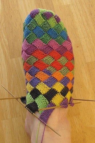 Вязаные носки в стиле «энтерлак»