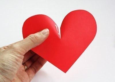 Украшаем стену сердцами