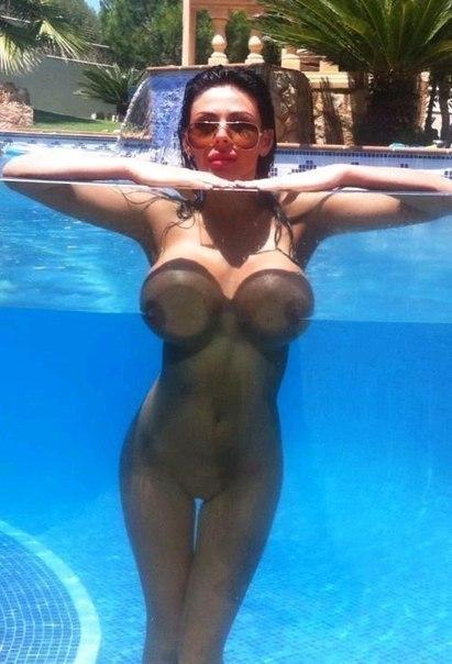 Erotic girls - 22 фото