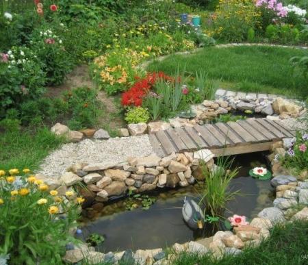9 вариантов дачного водоема