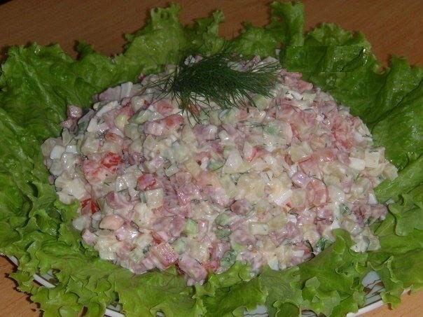 Рецепты салатов с копченой колбасой рецепты