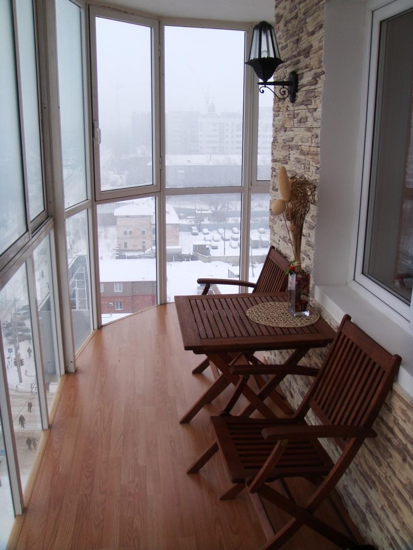 Балкон на кухне окна до пола..