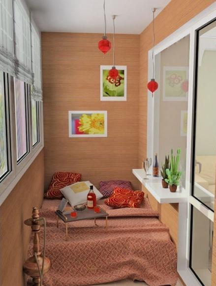 Дизайн балкона в роли комнаты отдыха и рабочей зоны