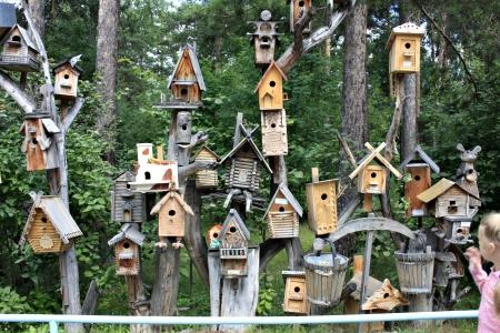 Скворечники и синичники в саду - Идеи для сада - 291 фото