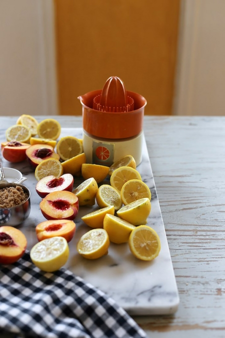 Лимонад (персик и кардамон)
