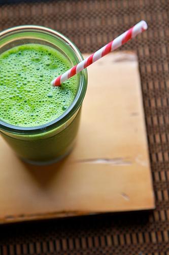 Овощной напиток (капуста кале, шпинат  и груша)