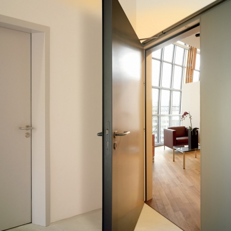 Какие лучше выбирать виды дверей и дверных ручек